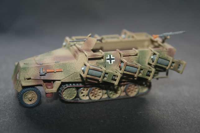 f) Sd.Kfz.251/1 Ausf.D 28cm Wurfrahmen