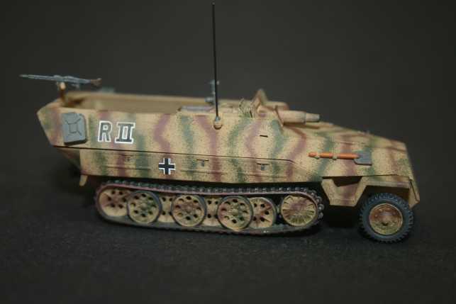 o) Sd.Kfz.251/9 Ausf.D