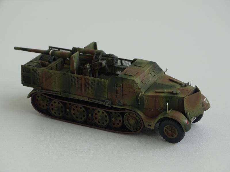 Sd.Kfz.9 gepz. mit 8,8cm Flak37